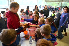 Faulkner-Co-Ag-Roundup_0007 (uacescomm) Tags: universityofarkansassystemdivisionofagriculture faulkner county agricultural roundup animals kids learning