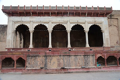 Lahore Fort: Ath Dar (Autophocus) Tags: maharajahranjitsingh guru sikhism sikhempire punjab punjabi royalcourt mughalempire britishempire marble jaipursandstone domes arches portico columns ornateembellishments defensivestructure fort citadel riverravi lahore pakistan architecture culture religion society assembly cabinet advisers administration bureaucracy governance