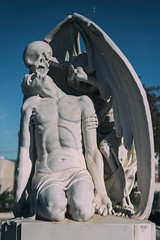 The Kiss of Death (michael_hamburg69) Tags: cementeriodepoblenou barcelona cemetery friedhof sculpture skulptur elpetódelamort elbesodelamuerte derkussdestodes cementiridelpoblenou marmor marble elpoblenou 1930 josepllaudetisoler sculptor bildhauer jaumebarba todesengel skelett flügel skeleton death wings geflügeltertod winged cementery poblenoucemetery cementeriodepueblonuevo cementiridepoblenou eastcemetery cementiridelest thekissofdeath