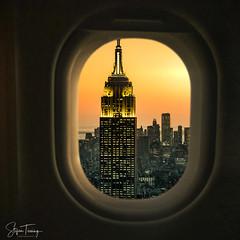 Flight over Manhattan (bin.angeknipst) Tags: newyorkcity newyork vereinigtestaaten airplaneviews artofvisuals beautifuldestinations discovernyc empirestatebuilding frames ignewyork ignycity landing manhattan manhattanview newyorkbestshots newyorkgram newyorksunset nightphotography nycprimeshot nycskyline planephotography planes planeview planewindow rockfellercenter sunset sunsetnewyork topoftherock usa visualambassadors window