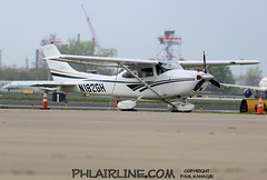 N182GH (PHLAIRLINE.COM) Tags: philadelphiainternationalairport kphl phl bizjet spotting spotter airline generalaviation planes flight airlines philly