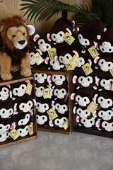 DSC_9349 (earthdog) Tags: 2019 nikon d5600 nikond5600 18300mmf3563 needstags needstitle themepark amusementpark greatamerica santaclara shopping shop store animal stuffedanimal softie