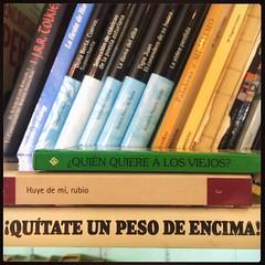 HAIKU DE ESTANTERÍA CLXXXVII #haikusdestanteria (juanluisgx) Tags: leon spain book libro haiku estanteria haikusdeestanteria haikusdestanteria poema poem poetry poesia bookshelf