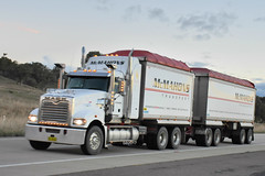 McMahons Transport - Mack Superliner (Scottyb28) Tags: truck trucks trucking highway haulage diesel loaded