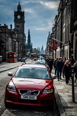 Parked on Princes Street (skyphotographie) Tags: voyage travel traveler traveling tourisme tourism unitedkingdom scotland ecosse schottland edinburgh edimbourg city ville stadt redcar voiture