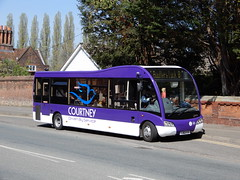 Courtney Buses YJ62 FYF (Berkshire Bus Pics) Tags: courtney buses yj62fyf optare solo sr slimline m890 maidenhead