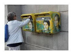Merci Madame. (Tchitcho's) Tags: streetart paris c215 simone