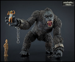 King Kong of Skull Island (HDR) (RobinGoodfellow_(m)) Tags: mezco king kong skull island action figure ape giant hdr