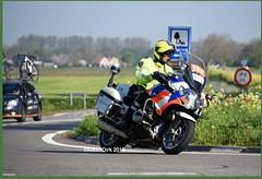 Dutch Police BMW MNL. (NikonDirk) Tags: utrecht vw politie police nikondirk dutch touran nederland netherlands holland nikon cop cops hulpverlening volkswagen foto anpr controle drive eenheid volvo v70 traffic midden flevoland gooi vechtstreek r1200 k1600 highway rt