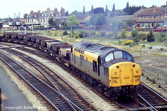 37010 leaving Hereford on the 14-07-1991. (Robert Lewis(railhereford)) Tags: 37010 d6710