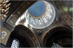 386- BÓVEDA DE LA CATEDRAL ORTODOXA DE HELSINKI (--MARCO POLO--) Tags: templos bóvedas catedrales arquitectura ciudades rincones