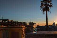 Rom am frühen Abend mit wohltemperiertem Wasser (johann walter bantz) Tags: europa travel italie italy xpro2 fujifilm wasserflasche water rome rom