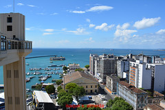 SALVADOR...........APAIXONANNTE (isaque_almeida...........registrando momentos) Tags: bahia salvador lacerda nercado azul mar nuvens nordeste litoral brasil marina
