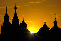 Farewell look (prokhorov.victor) Tags: вечер закат солнце архитектура здание церковь собор лучи