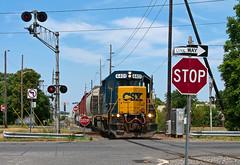 Do this, don't do that... (Erie Limited) Tags: conrail csao mi21 vinelandnj vinelandit csx emd gp402 train railfan railroad