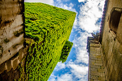 Look up (Jose RL) Tags: caceres extremadura street calle