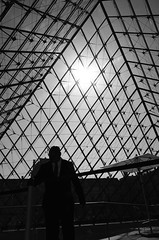 The Louvre (D | S) Tags: france paris thelouvre europe travelling travel streetphotography streetphoto blackandwhite blackwhite bw monochrome