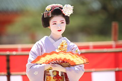 Maiko performance (Teruhide Tomori) Tags: kyoto japon japan heianjingushrine maiko performance tradition festival kimono stage 舞妓 京都 伝統 日本 着物 舞台 lady 踊り dance portrait event 平安神宮 happyplanet asiafavorites