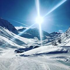 Beauty of nature (*kleene) Tags: winterwonderland winter sunday sonnentag sonne weis blau skiing sun littlehouses blue whiteboard sky bluesky sind ischgl mountains schnee snow