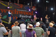 145-20180602_14th Wychwood Music Festival-Cheltenham-Gloucestershire-Main Stage-The Bar-Steward Sons Of Val Doonican on stage (Nick Kaye) Tags: wychwood music festival cheltenham gloucestershire england