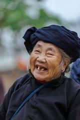 _MG_0461.1011.Quyết Tiến.Quản Bạ.Hà Giang (hoanglongphoto) Tags: happyplanet asiafavorites asian portrait outdoorportrait women hmongwomen people hmongpeople theelderly portraitoftheelderly oldwomen gammer canon canoneos5dmarkii vietnam hàgiang chândung conngười người ngườigià bàgià bàlão ngườihmông chândungngườigià fun tohavefun vuivẻ laugh cười candid candidcapture candidimage chânthực tựnhiên chụptựnhiên hìnhảnhchânthực 1people canonef70200mmf28lisiiusm quyếttiến quảnbạ thehmong