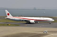 JASDF 80-1111, Boeing 777-3SB/ER at HND (tokyo70) Tags: japan travel tour tokyo japanairselfdefenseforce 801111