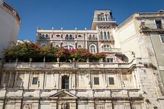 Lisbon, Portugal (Bela Lindtner) Tags: belalindtner lindtnerbéla lisboa lisbon lisboaregion portugal portugália nikon d7100 nikond7100 nikkor 18105 nikkor18105 nikon18105 outdoor outside architecture buildings building sky bluesky flowers
