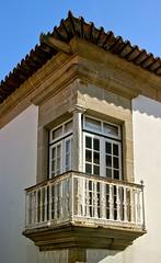Varanda quinhentista (vmribeiro.net) Tags: geo:lat=4135479799 geo:lon=874334204 geotagged vila conde portugal varanda quinhentista rua igreja casa house balcony sony a350