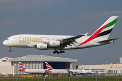 Emirates - Airbus A380-861 A6-EEN @ London Heathrow (Shaun Grist) Tags: a6een ek emirates uae airbus a380 shaungrist lhr egll london londonheathrow heathrow airport aircraft aviation aeroplanes airline avgeek landing 27l