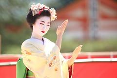 Traditional performance (Teruhide Tomori) Tags: kyoto japon japan heianjingushrine maiko performance tradition festival kimono stage 舞妓 京都 伝統 日本 着物 舞台 lady 踊り dance portrait event 平安神宮
