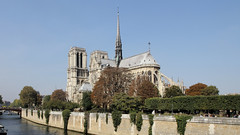So beautiful was Notre Dame de Paris ! (Chemose) Tags: notredamedeparis paris cathedral cathédrale gothique gothic église church river fleuve seine april152019 15avril2019 octobre october automne autumn canon eos7d
