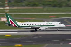 EI-RDJ Embraer ERJ-175STD (Disktoaster) Tags: dus düsseldorf airport flugzeug aircraft palnespotting aviation plane spotting spotter airplane pentaxk1
