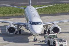 SP-LNH Embraer ERJ-195LR (Disktoaster) Tags: dus düsseldorf airport flugzeug aircraft palnespotting aviation plane spotting spotter airplane pentaxk1