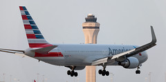 B767 | N394AN | MIA | 20160403 (Wally.H) Tags: boeing 767 boeing767 b767 n394an americanairlines mia kmia miami airport