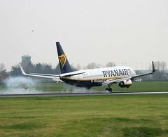 Ryanair                                      Boeing 737                                       EI-EMK (Flame1958) Tags: ryanair ryanairb737 boeing b737 737 b7378 b7378as b737800 eiemk landing arrival vacation holiday dub eidw dublinairport 230419 0419 2019 9426