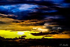 Puesta de sol (ameliapardo) Tags: puestasdesol ocaso atardeceres cielo nubes azul sol contraluz fijoxt2 sevilla andalucia