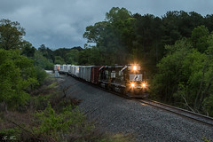 40s on the 944 (travisnewman100) Tags: norfolk southern train railroad freight locomotive emd sd402 atlanta north district georgia division dallas 944 camp maintenance way mow dusk