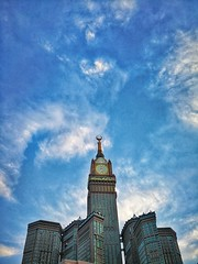 Abraj Al-Bait (afifi.omda) Tags: huawei huaweimate9 structure building hotel skyscraper clock tower megastructure madinah saudi arabia