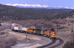 Curves at Wootton (ujka4) Tags: ratonpass wootton colorado co intermodal
