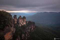 The Three Sisters (Dreamtime Nature Photography) Tags: echopoint thethreesisters bluemountainsnationalpark sydney nsw australia newsouthwales beach ocean plage mer canon landscape paysage dreamtimenaturephotography