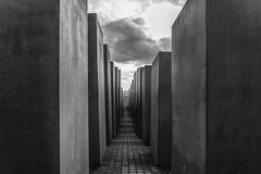 Holocaust-Mahnmal (Jutta Achrainer) Tags: achrainerjutta berlin fe24105mmf4goss sonyalpha7riii holocaustmahnmal