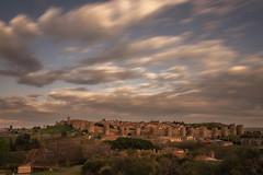 Ávila. (Amparo Hervella) Tags: ávila españa spain paisaje cielo nube ciudad atardecer muralla árbol largaexposición d7000 nikon nikond7000