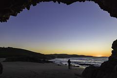 Furna, playa de Repibelo - Arteixo (Alphonso Mancuso) Tags: furna cueva arteixo playa beach lacoruña galicia españa europa paisaje landscape azul outside sunset atardecer alphonsomancuso canon6dmarkii canon24105f4l