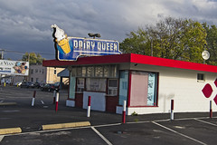 Lima Queen (Pete Zarria) Tags: purple ohio dairy queen ice cream sundae shakes neon sign decay old road side