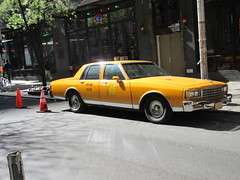 Yellow 1970s Chevrolet Caprice Taxi Cab NYC 6915 (Brechtbug) Tags: yellow 1970s chevrolet caprice taxi cab 45th street manhattan vintage 1970 70s 80s 1980 1980s type car cabs near times square midtown new york city 2019 april spring 04242019 nyc boxy old older