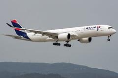 Latam / A359 / PR-XTH / LEBL 07L (_Wouter Cooremans) Tags: bcn lebl barcelona barcelonaairport barcelonaelprat spotting spotter avgeek aviation airplanespotting latam a359 prxth 07l a350