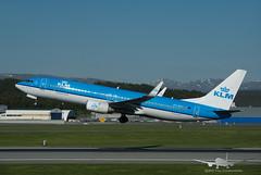 KLM - PH-BXY - B737-800 (Aviation & Maritime) Tags: phbxy klm boeing boeing737 b737 b737800 boeing737800 bgo enbr bergenairportflesland bergenlufthavnflesland bergen flesland norway