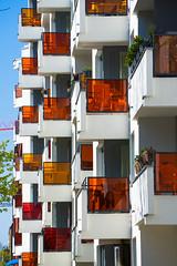 20190418-034 (sulamith.sallmann) Tags: architektur ackerstrase balkon balkone bauwerk berlin brunnenviertel bunt city deutschland europa farbenfroh gebäude haus mitte neubau platte plattenbau saniert stadt urban wedding sulamithsallmann