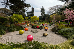 Kew Gardens | Nijima Floats (James_Beard) Tags: kew kewgardens dalechihuly chihuly glass glassart blownglass orbs spheres gravel pagoda colours colors fuji fujixt2 fujixf1655mm fujixseries london tourists tourism landscape