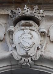 Lecce (Apulia-Italia).  Via Giuseppe Palmieri. Palazzo Guarini. Escudo (santi abella) Tags: lecce apulia puglia italia heráldica escudos